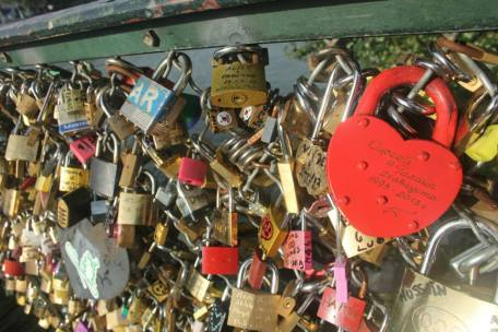 lovers locks paris 2013